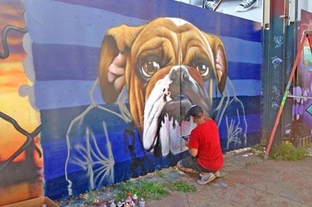 Graffiti artist Sipros at work