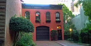 old carriage house in brooklyn heights