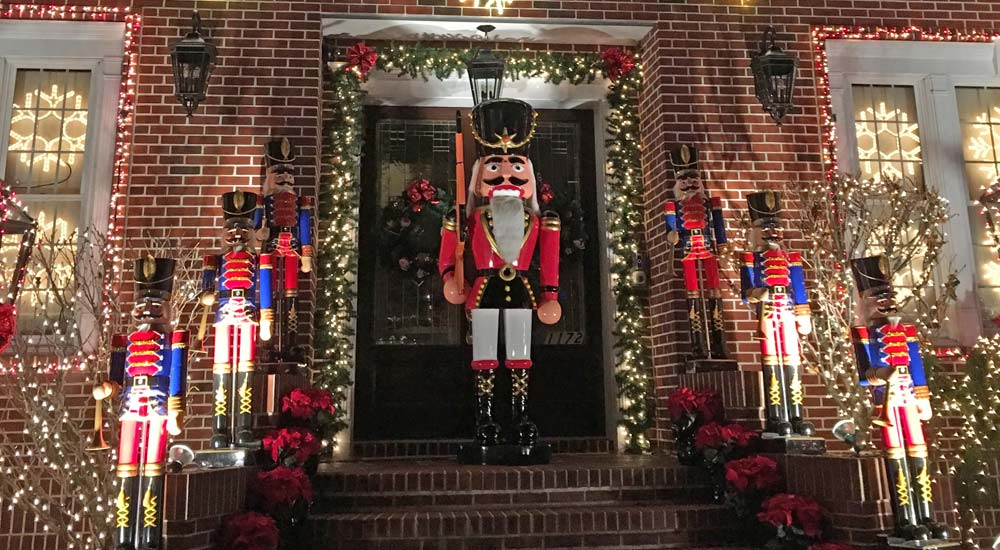 Holiday Christmas Lights Tour in Brooklyn (at r Heights ... on